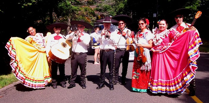 Connecticut Mariachi band Fiesta del Norte Performing at the Newtown Labor Day Parade in Newtown, CT